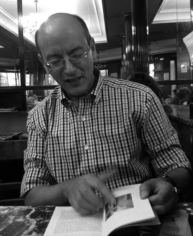 Pantallas contra libros: la tormenta perfecta continúa perfeccionándose. Jaime Fernández
