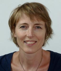 Edición independiente y globalización editorial. El caso de los editores de ensayos «críticos» en Francia. Sophie Noël en Texturas 23