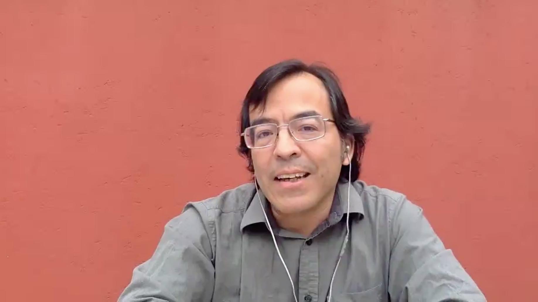 """Charla de Tomás Granados Salinas, editor y autor de """"Sin justificar"""" y """"Libros"""""""